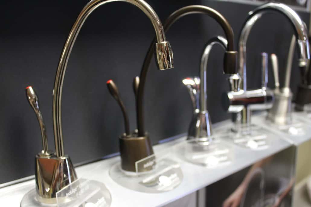 Sink Faucets & Fixtures
